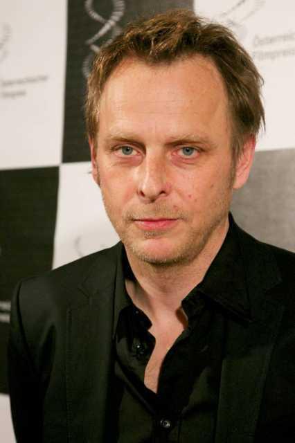 <b>Florian Flicker</b> é nato il 21. August 1965 a Salzburg. - 32337