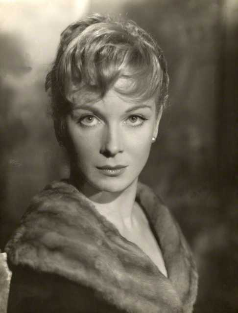 Portrait Joan Greenwood
